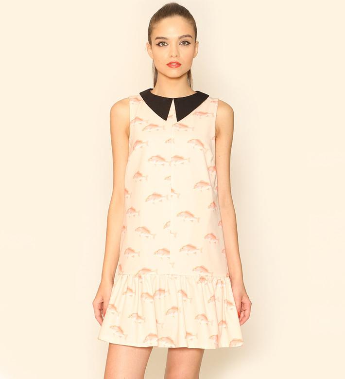 Pepa Loves – dámské oblečení – letní šaty pleťové barvy slímečkem, motiv ryb