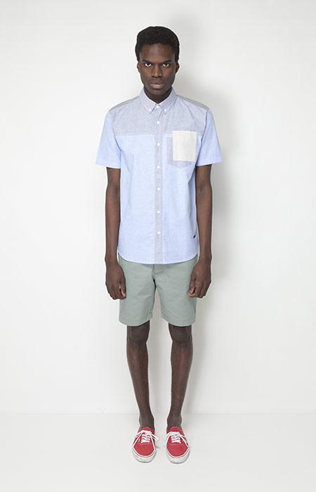 Ucon Acrobatics – pánské oblečení – bledě modrá košile, zelené šortky