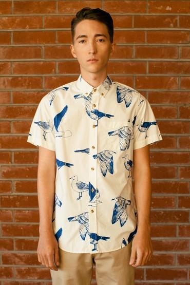 Obey – bílá pánská košile – krátký rukáv, vzor sptáky