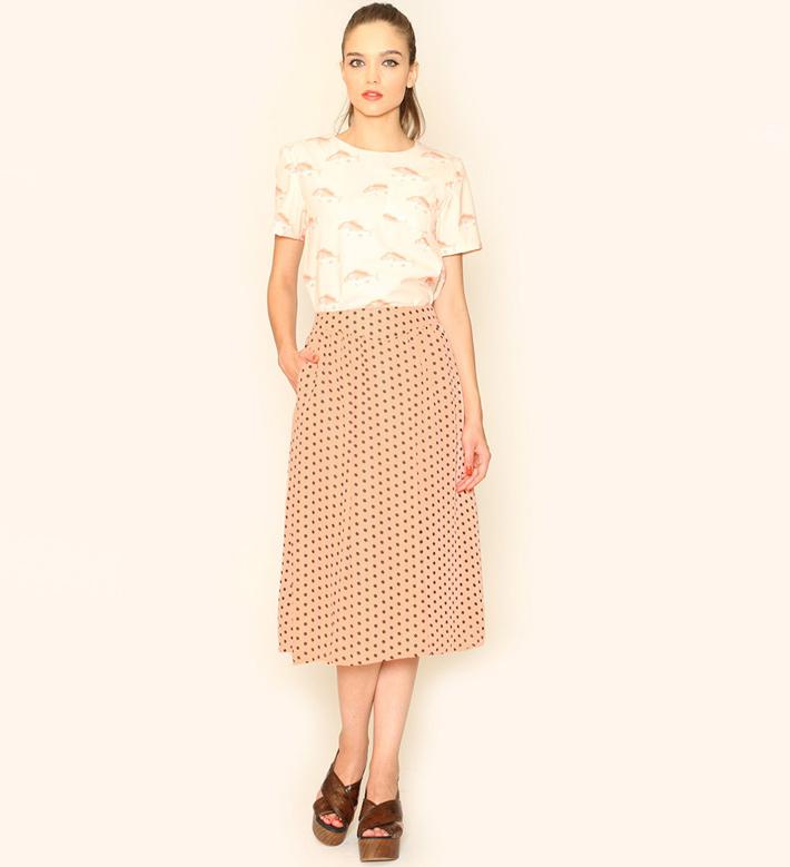 Pepa Loves – dámské oblečení – dlouhá sukně lososové barvy spuntíky, blůza, motiv ryby