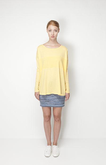 Ucon Acrobatics – dámská móda – dlouhé žluté tričko, sukně
