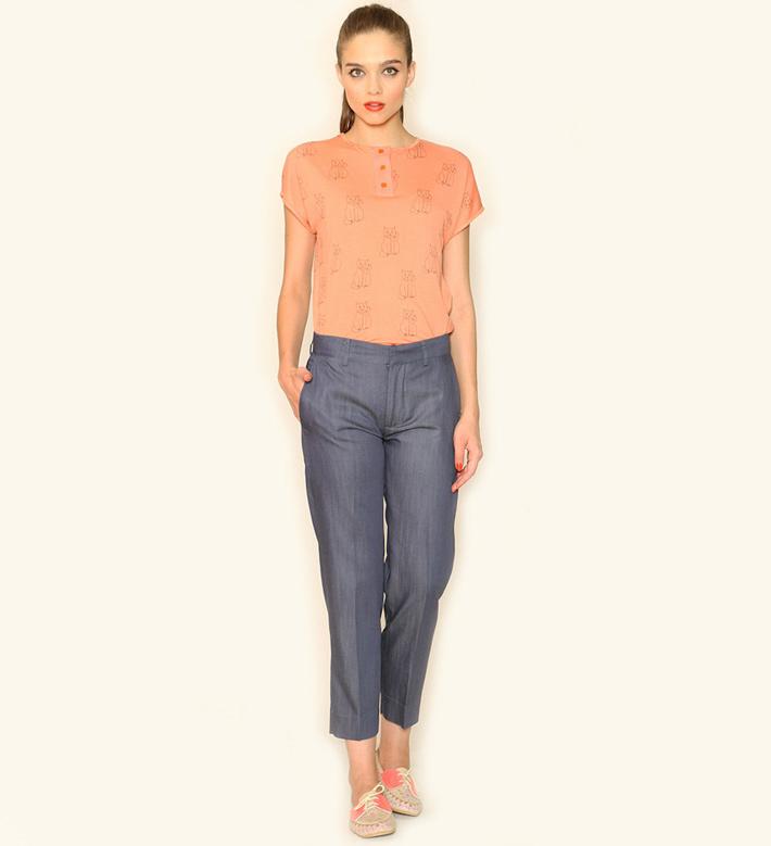Pepa Loves – dámské oblečení – modré kalhoty, světle oranžový top, blůza