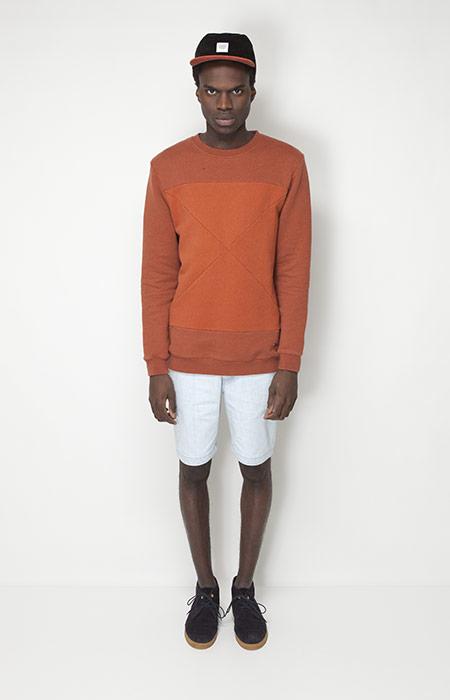Ucon Acrobatics – pánské oblečení – oranžová mikina, světle modré šortky