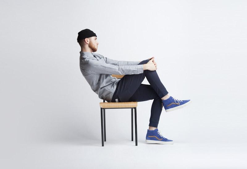 Publish – pánské oblečení – tmavě modré kalhoty, šedá košile