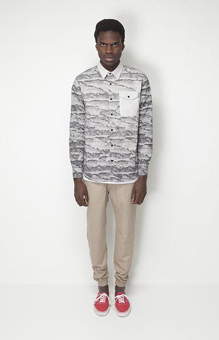 Ucon Acrobatics – pánské oblečení – košile se vzorem sdlouhým rukávem, béžové kalhoty