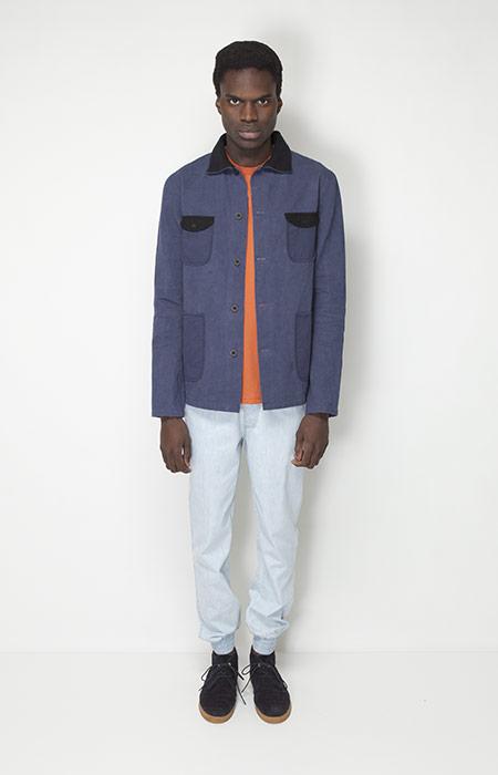 Ucon Acrobatics – pánská móda – modrá jarní bunda, světlé kalhoty