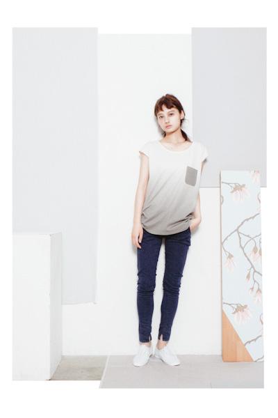 Aloye – dámské tričko – barevný přechod, modré kalhoty