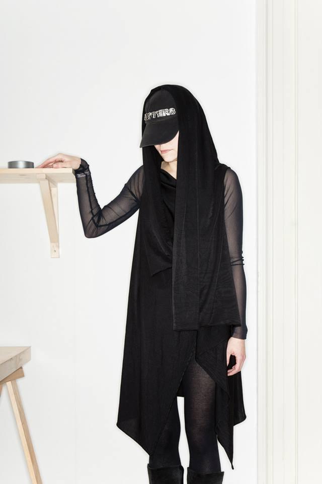 MONGOL – Monika Přikrylová – černé šaty