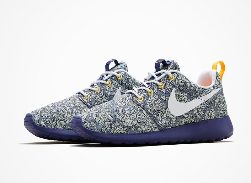 Nike x Liberty London – RosheRun – boty, floral print