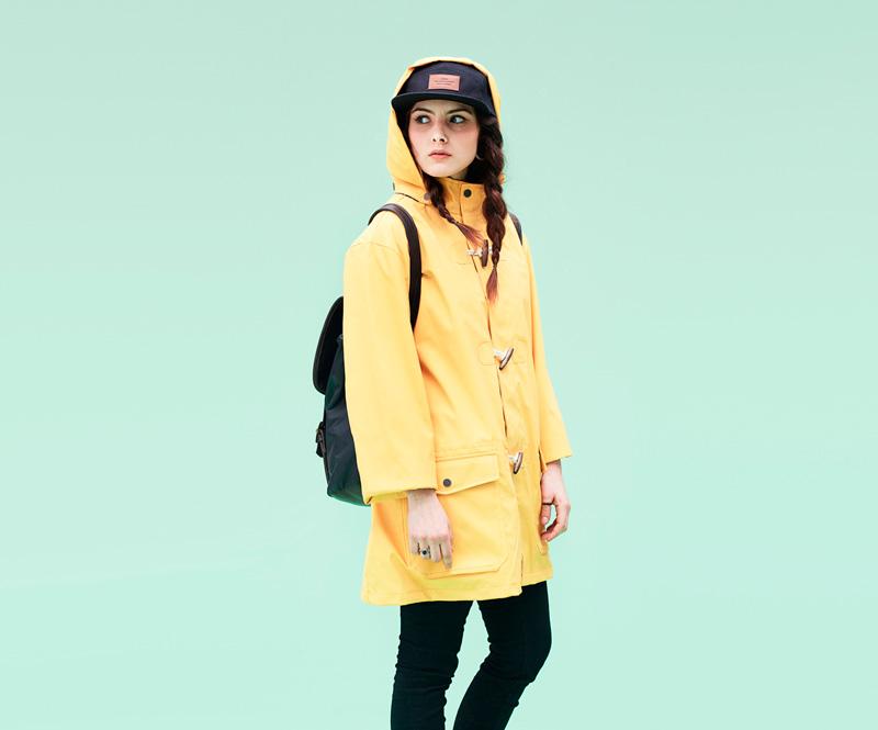 Shook – žlutá parka skapucí, dámská