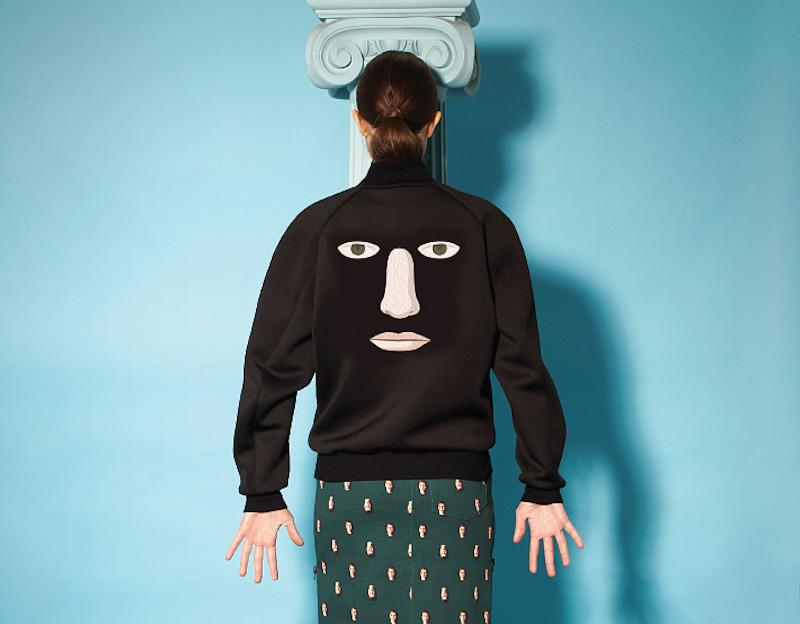 Opening Ceremony – surrealistická mikina, sukně, René Magritte