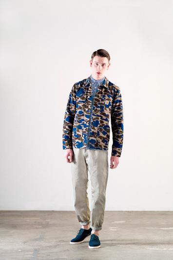 Carhartt WIP – maskáčová jarní bunda, šedé kalhoty