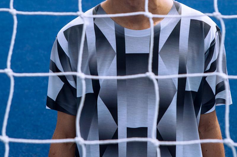 CTRL+C – černo-bílý fotbalový dres s geometrickým vzorem