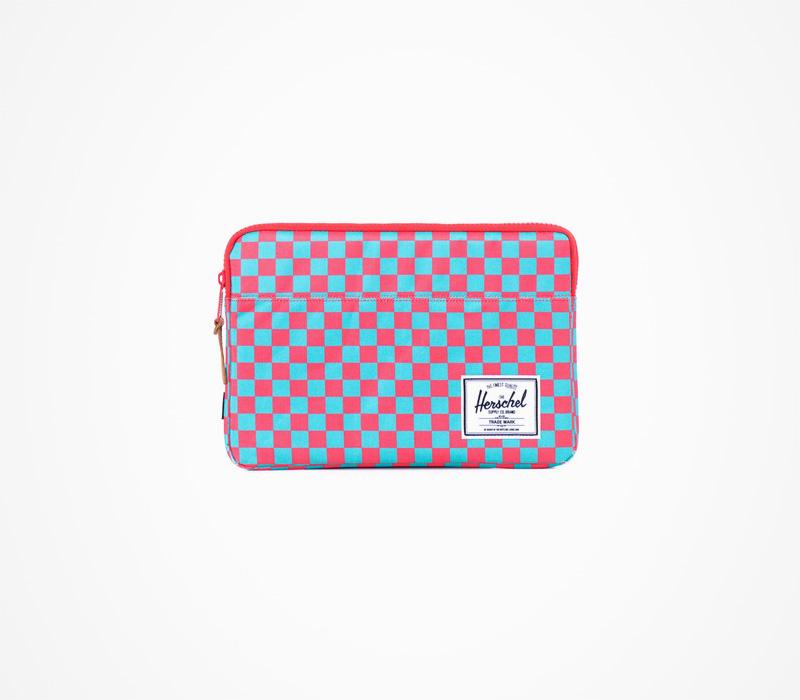 Herschel Supply batohy – ostičkované pouzdro na notebook