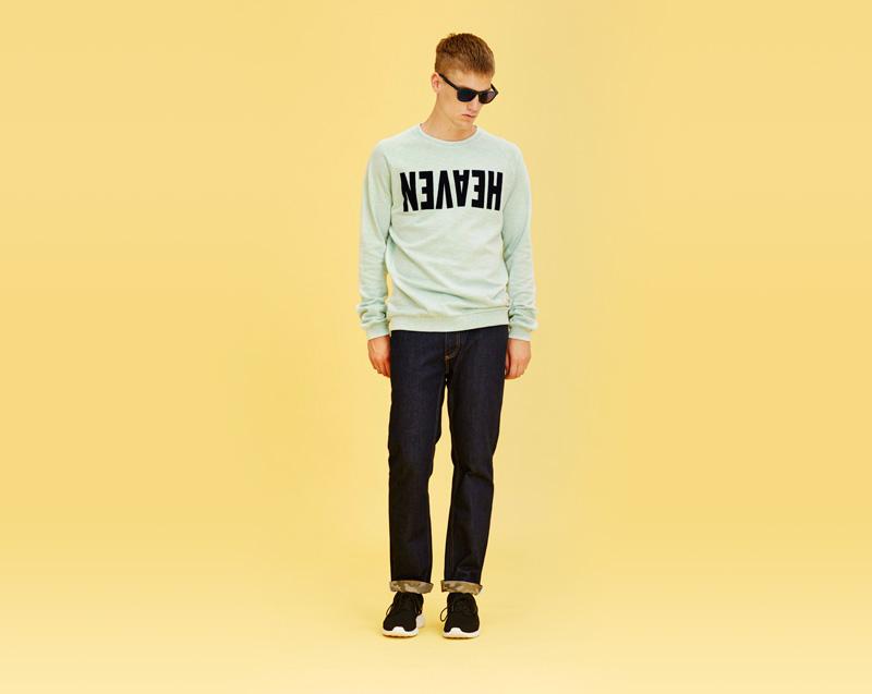Libertine-Libertine – pánské oblečení – světle zelená mikina, tmavě modré jeansy