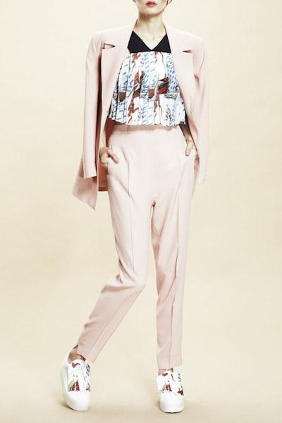Asli Filinta – dámské sako, kalhoty, tričko s potiskem