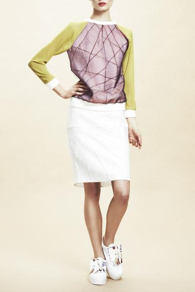 Asli Filinta – dámská mikina fialovo-zelená, bílá sukně
