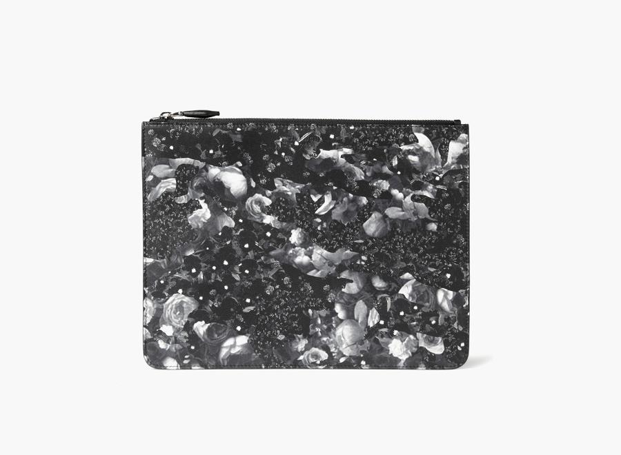 Givenchy – černé pouzdro s potiskem