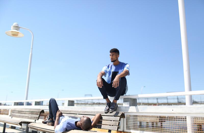 Calvin Klein & The No Names — kolekce Head in the Clouds, modrá luxusní trička