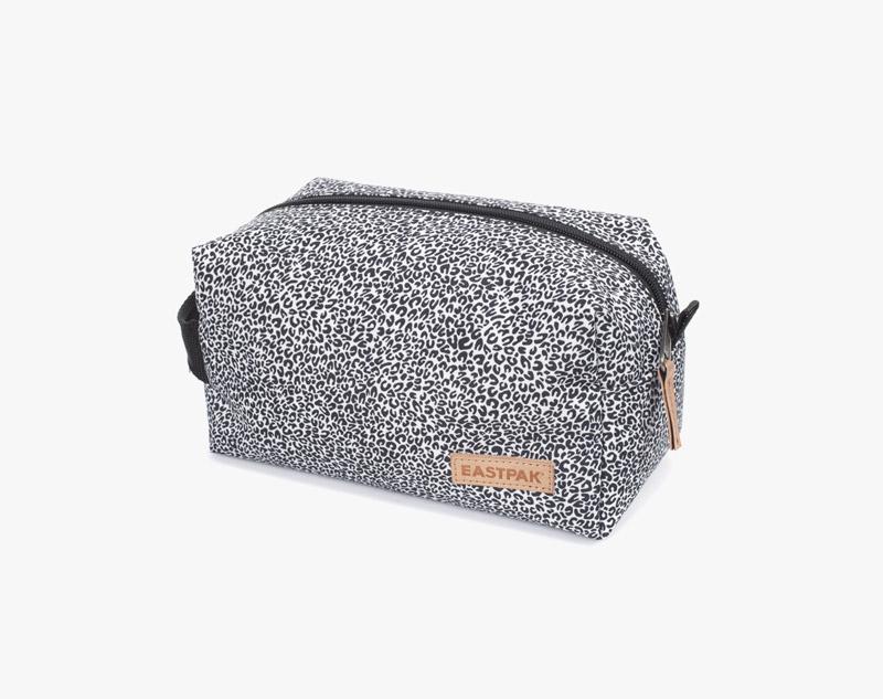 Eastpak – leopardí toaletní taška