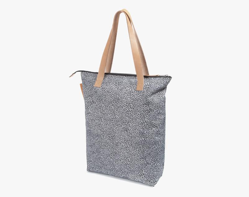 Eastpak – leopardí příruční taška, taška přes rameno na zip