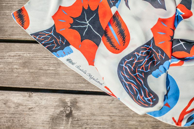 Retart – šátek na krk, ilustrace, umělé hedvábí | Šátky na krk