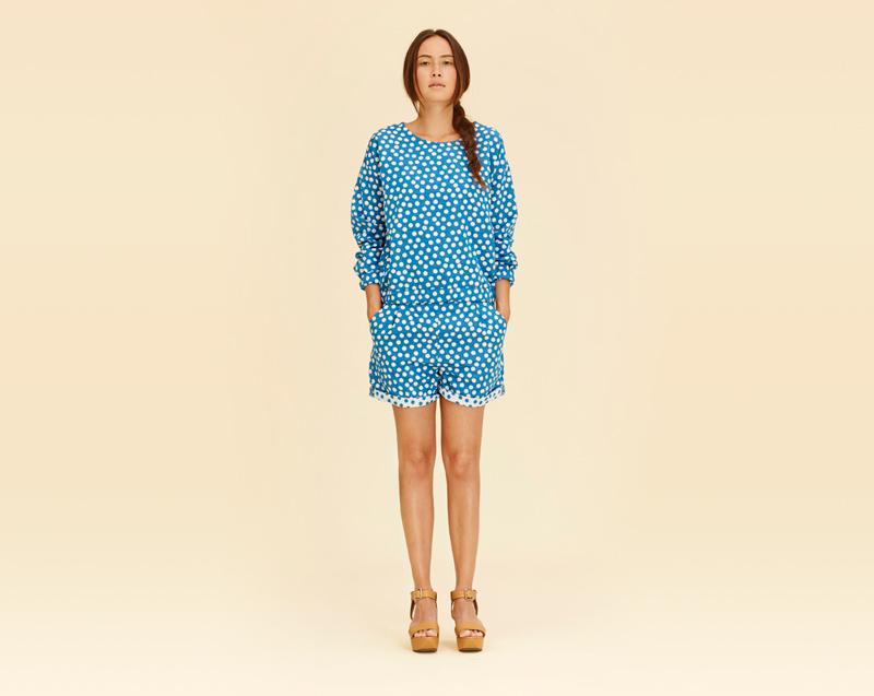 Libertine-Libertine – dámské oblečení – modrá halenka s puntíky, modré šortky s puntíky