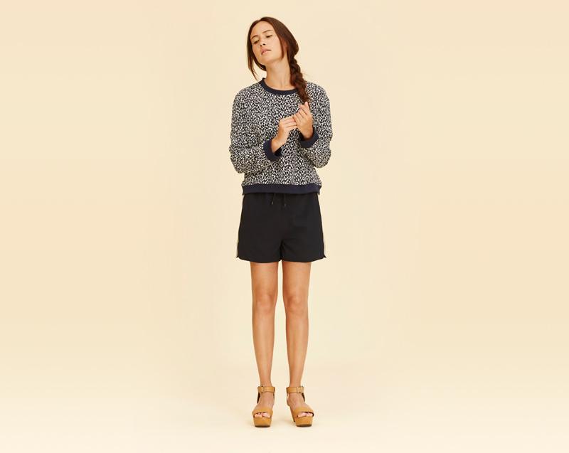 Libertine-Libertine – dámské oblečení – vzorovaná mikina, černé šortky