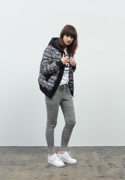 Stussy – dámský šedý bomber s kapucí, šedé uplé tepláky
