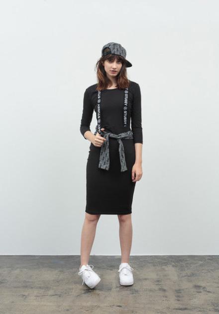Stussy – sportovní dámské šaty (sukně) s dlouhým rukávem, černé