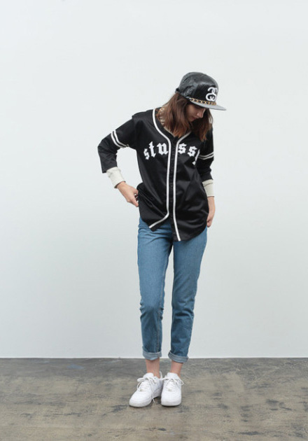 Stussy – černá podzimní bunda – dámská, modré džíny