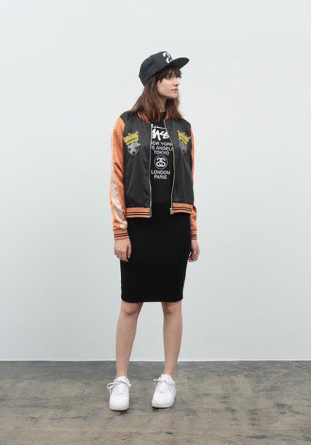 Stussy – krátká dámská černá podzimní bunda do pasu – oranžové rukávy, černá sukně