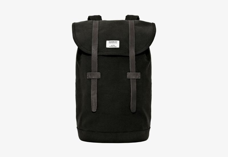 Plátěný batoh na záda – Sandqvist Stig – černý – stylový elegantní batoh, dámský, pánský | Plátěné stylové batohy