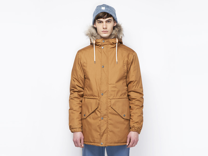 Ucon Acrobatics – pánská zimní bunda s kapucí s kožešinou, zimní parka, horčicová, hnědá | Pánské značkové oblečení