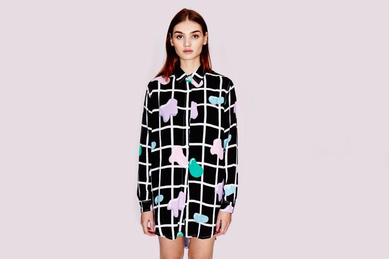 Lazy Oaf – dámská černá dlouhá košile s dlouhým rukávem s mřížkou a s grafickými symboly, s límečkem, | Dámské oblečení
