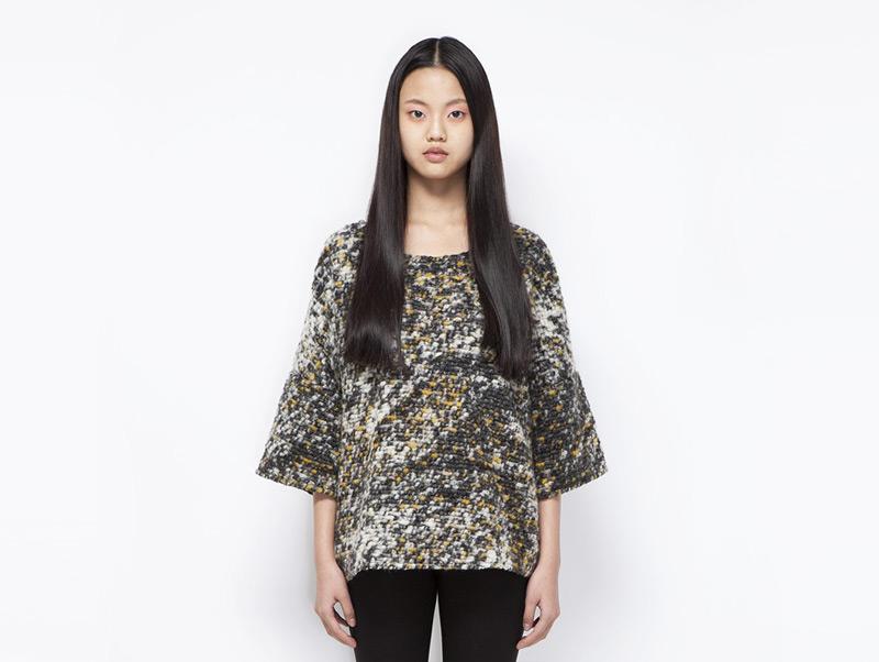 Ucon Acrobatics – dámský vlněný svetr, trojbarevný, vzorovaný | Dámské značkové oblečení
