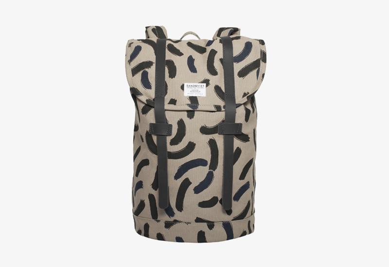 Plátěný batoh na záda – Sandqvist Stig – khaki s černými fleky – stylový elegantní batoh, dámský, pánský | Plátěné stylové batohy