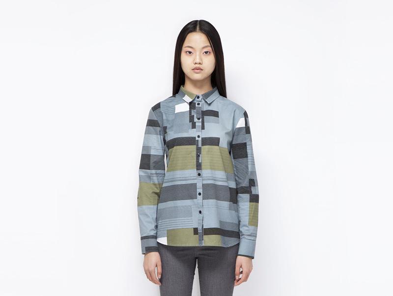 Ucon Acrobatics – dámská košile s dlouhým rukávem, bledě modrá, geometrické vzory | Dámské značkové oblečení