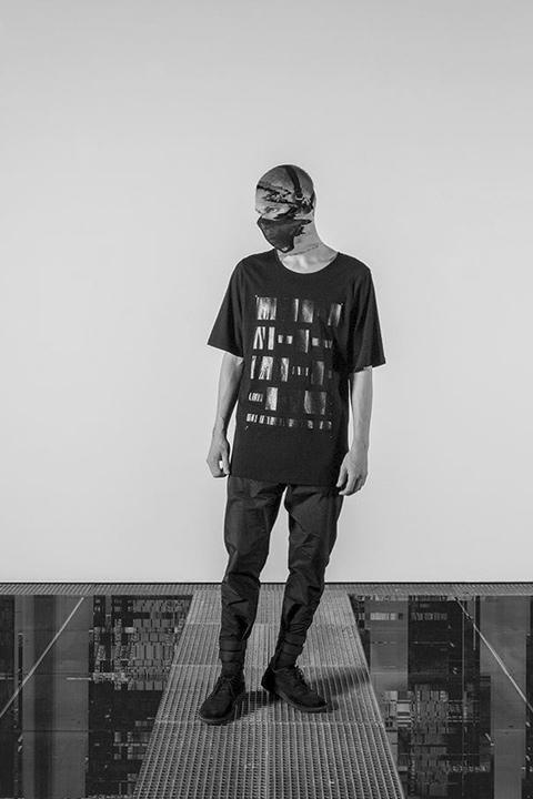 Trinitas – černé tričko s potiskem