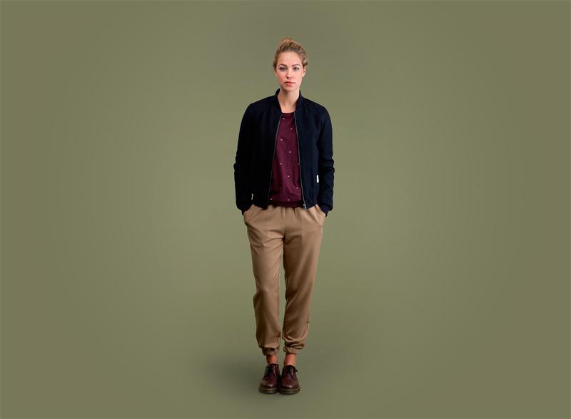 Wemoto – dámský podzimní modrý bomber, bunda, jacket, hnědé kalhoty joggers | Dámské podzimní/zimní oblečení