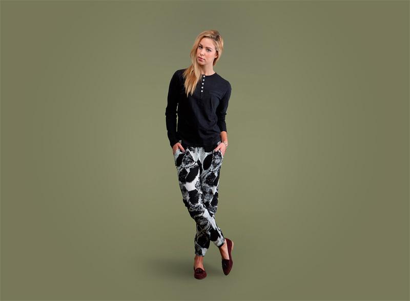 Wemoto – dámské černé tričko – dlouhý rukáv, kalhoty joggers se vzorem | Dámské podzimní/zimní oblečení