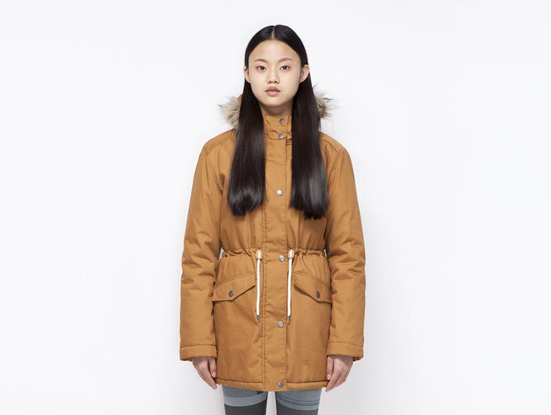 Ucon Acrobatics – dámská zimní bunda/parka s kapucí s kožíškem, hořčicová, tmavě žlutá | Dámské značkové oblečení