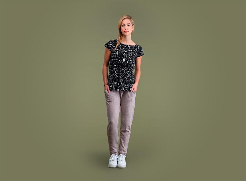 Wemoto – dámské černé tričko se vzorem, dámské tepláky – bledě hnědé | Dámské podzimní/zimní oblečení