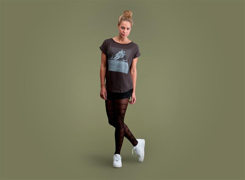 Wemoto – dámské černé tričko s potiskem – kosmonaut | Dámské podzimní/zimní oblečení
