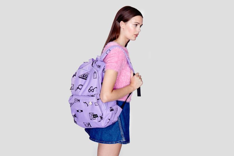 Lazy Oaf – dámský batoh na záda – světle fialovy, se symboly – smajlík, tužka, lupa, ruka, ikony | Dámské oblečení