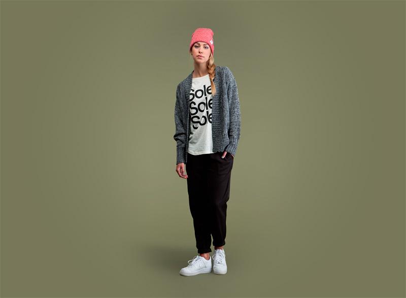 Wemoto – dámský šedý svetr, dámské černé kalhoty joggers | Dámské podzimní/zimní oblečení