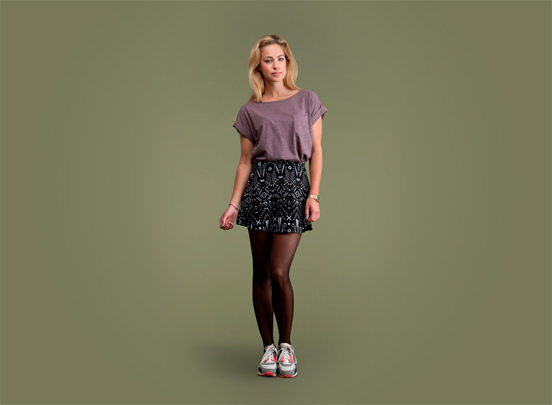 Wemoto – dámské tričko s kapsičkou – světle fialové, černá sukně se vzorem | Dámské podzimní/zimní oblečení