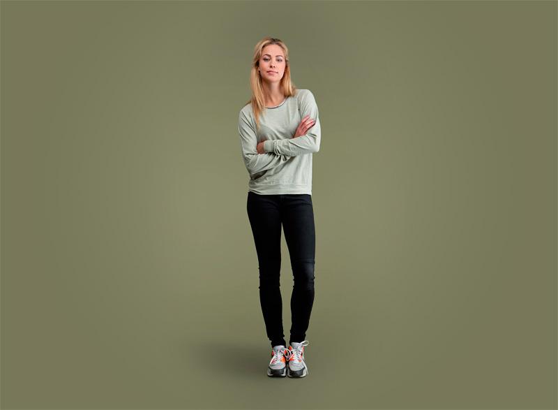 Wemoto – bledě zelené dámské tričko – dlouhý rukáv, slim černé kalhoty | Dámské podzimní/zimní oblečení