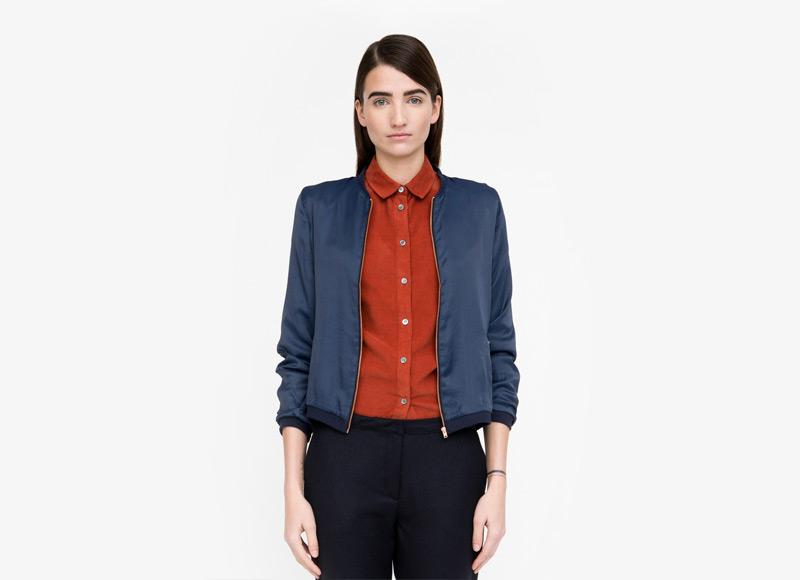 Frisur – dámský modrý bomber, jacket, krátká bunda do pasu, červená košile | Podzimní a zimní oblečení – dámské