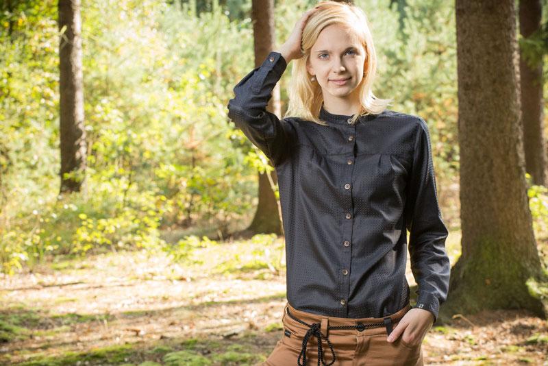 Pattern – dámská košile bez límečku, černá | Dámské oblečení